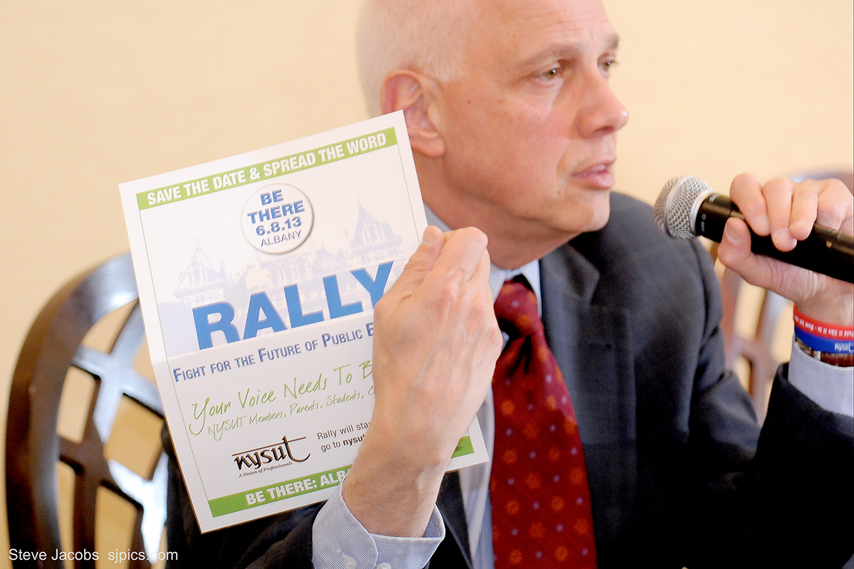 dick iannuzzi with rally flier