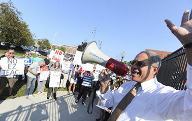 NYSUT President Andy Pallotta fires up the crowd in Saratoga Springs. Photo by El-Wise Noisette.