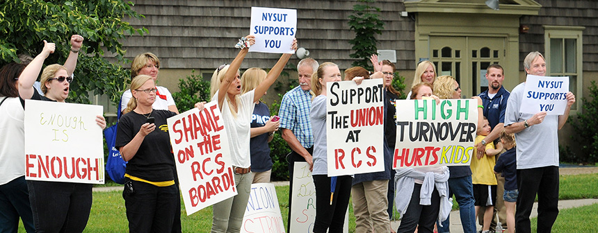 rally for riverhead teachers